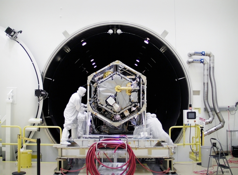 OCO-2 Observatory Conducts Environmental Tests