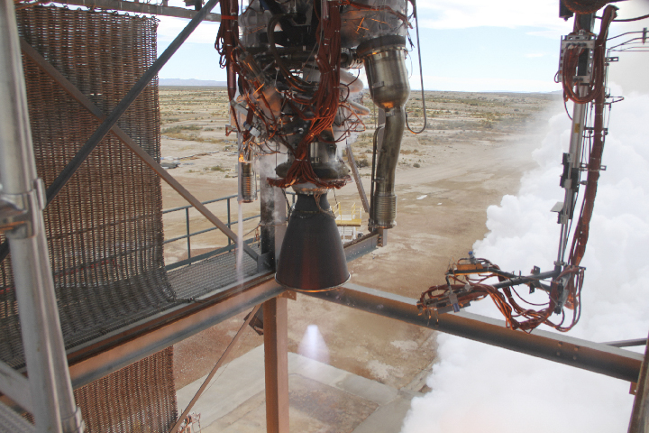 Blue Origin's BE-3 rocket engine ramps up to full power operations of 110,000 lbf thrust.  Photo credit: Blue Origin