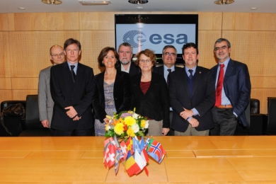 SIGNATORIES TO THE REVISED GAIA MULTILATERAL AGREEMENT, ESA HEADQUARTERS, 28 NOVEMBER 2013